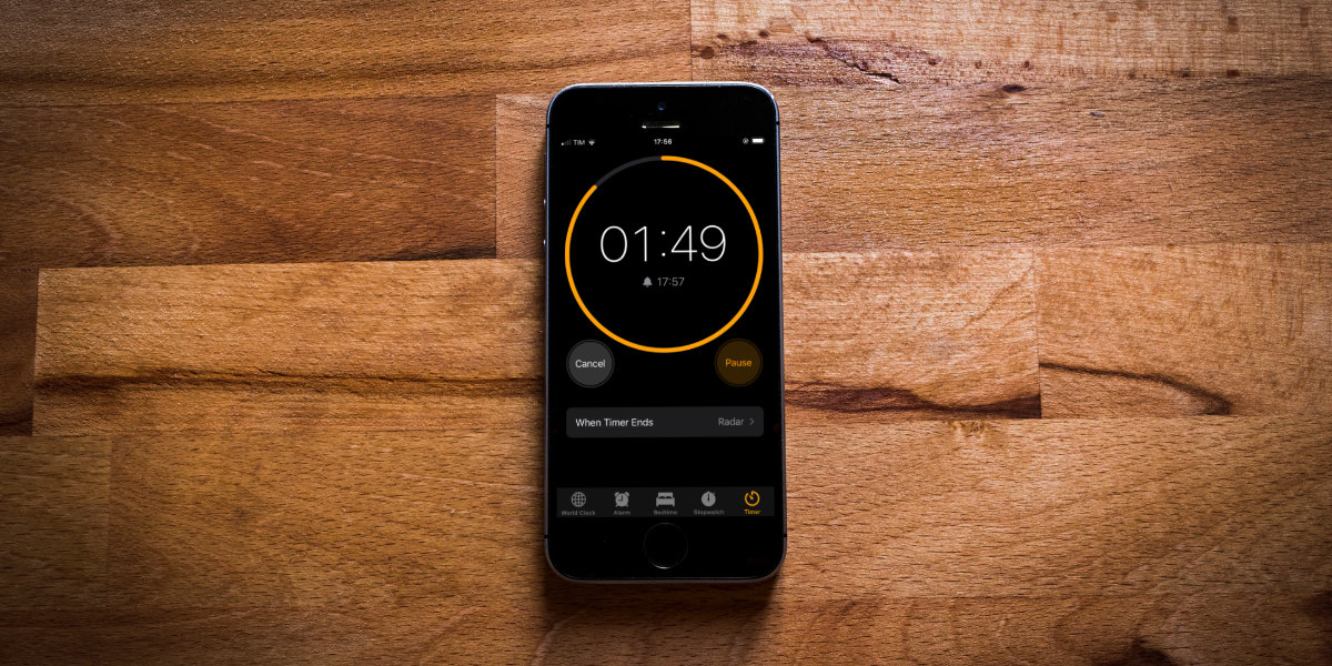 Why the iPhone Timer App displays a Fake Time